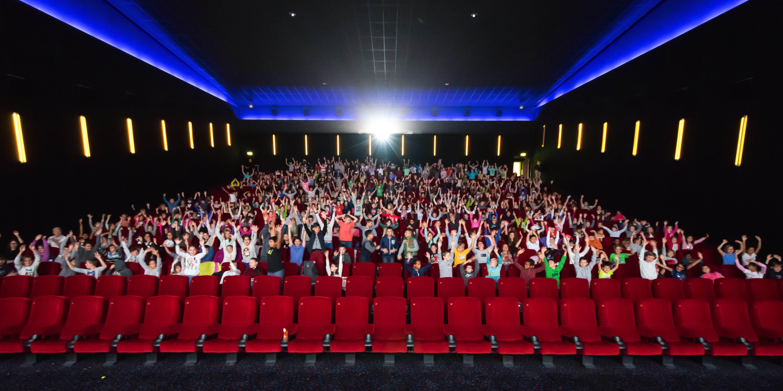 Filme für die Erde Festival 2015 - 500 begeisterte Schulkinder schauen sich einen wunderbaren Film über unsere Ozeane an!
